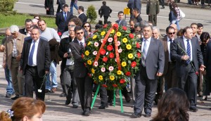Laying of the wreath at the Unknown Soldier's Tomb in Stepanakert