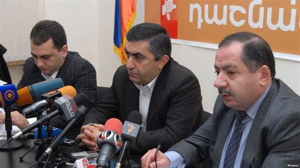 ARF-D Supreme Council of Armenia members Arsen Hambartsumyan, Armen Rustamyan and Aghvan Vardanyan at a press conference on 26 December 2012