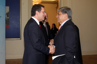 Head of the Socialist Party of Portugal, António José Seguro welcomes SI Vice President, ARF-D Bureau member, Mario Nalbandian.