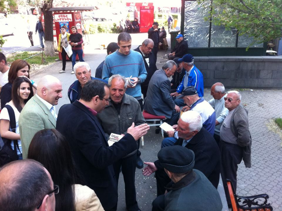 ARF-D MP, Artsvik Minasyan talking to Arabkir residents