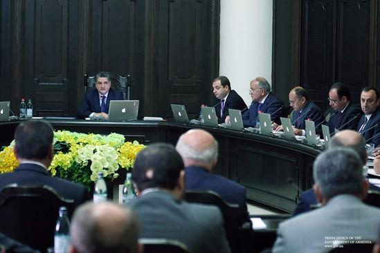 Prime minister Sargsyan addresses the members of the government