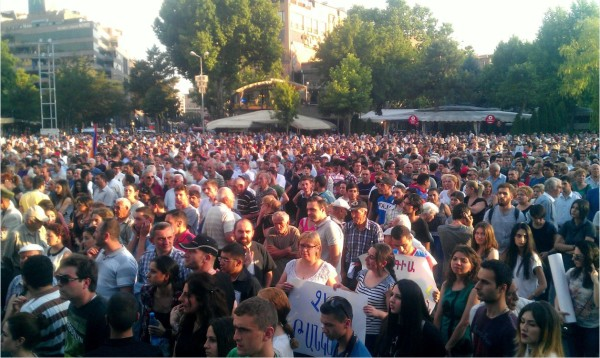 Thousands of people gathered in Yerevan's Liberty Square on June 19 (Photo: Serouj Aprahamian)