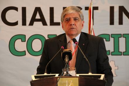Mario Nalpatian on the floor of the Luanda SI Council meeting