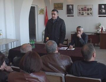 (L-R) Armen Rustamyan, Spartak Seyranyan